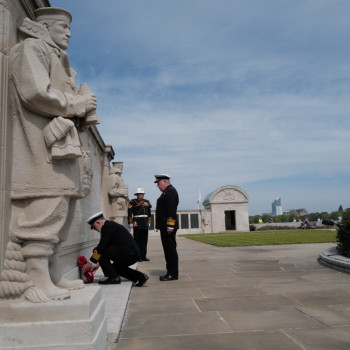National President Vice Admiral John Mcanally And General Secretary Capt Bill Oliphant Lay The Wreath