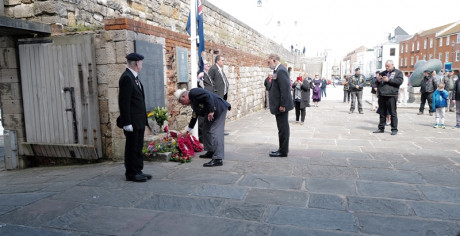 National President Vice Admiral John Mcanally Lays The Rna Wreath With General Secretary Captain Bill Oliphant Rn In Attendance